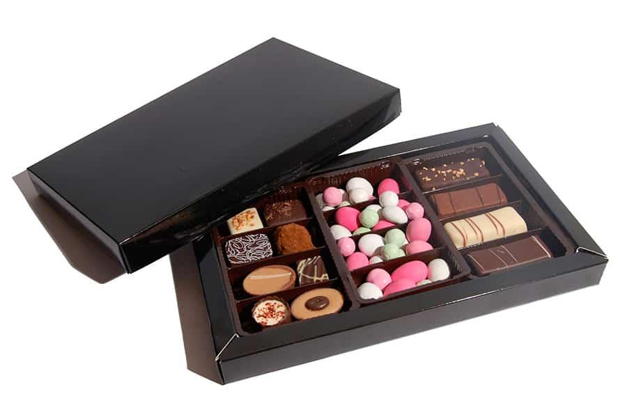 Chokoladeæske med logobånd