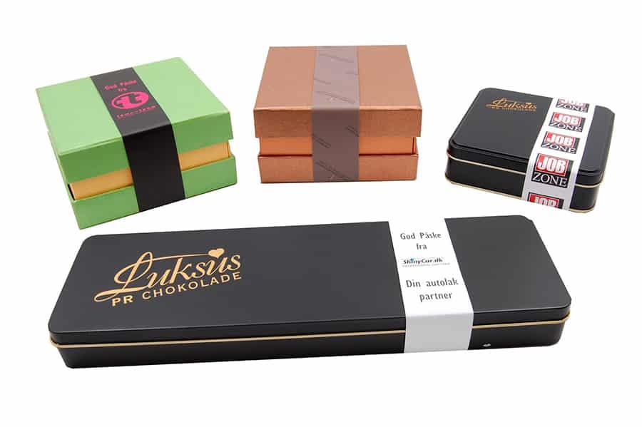 Chokoladeæsker med logobånd